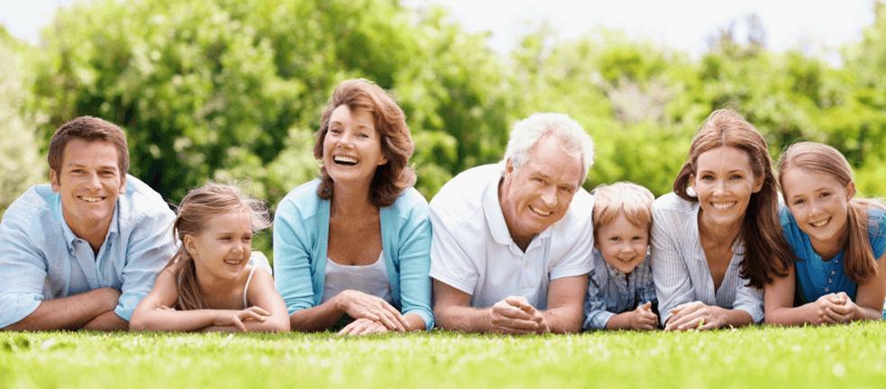 dia-das-crianças-familia-feliz